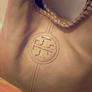 🌟AUTHENTIC TORY BURCH LEATHER HOBO BAG🌟